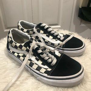 old school checkered/black vans